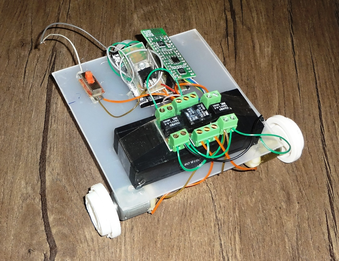 WiFi controllable robot 3 - WiCard
